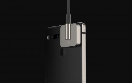 Для Essential Phone анонсирован первый сменный модуль, им стал блок с 3,5 мм джеком