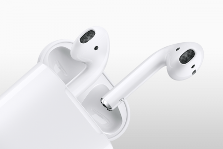 Беспроводные наушники Apple AirPods 2 и накладная модель выйдут только в 2019 году