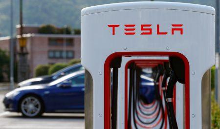 Tesla сократит 9% работников - ITC.ua