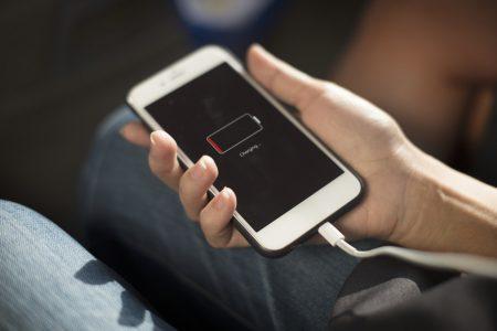 Владельцы смартфонов iPhone массово жалуются на быстрый разряд аккумулятора после обновления до iOS 11.4 - ITC.ua
