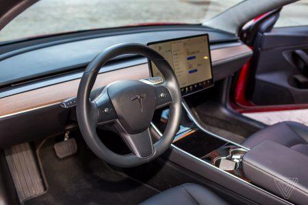 Устройство Autopilot Buddy, обманывающее систему контроля Tesla Autopilot, признано небезопасным и подлежит запрету
