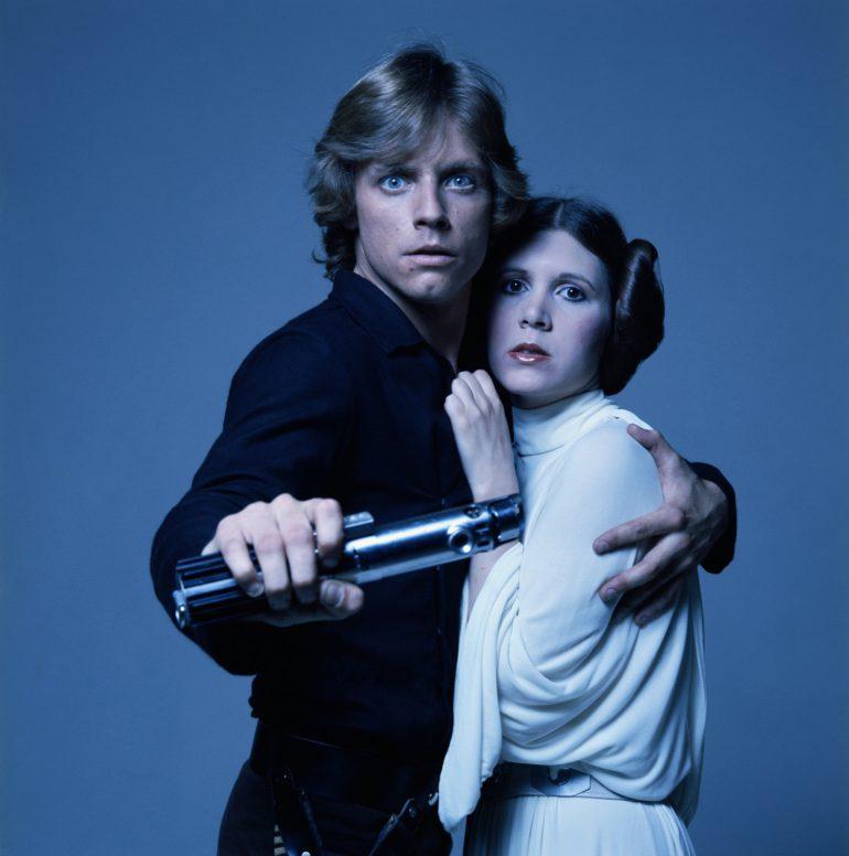 Disney объявила актерский состав Star Wars: Episode IX, в фильме появятся Кэрри Фишер, Марк Хэмилл и Билли Ди Уильямс