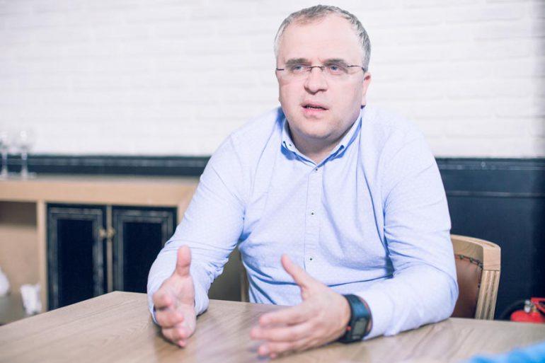 LIGA.net: Петр Чернышов уходит из «Киевстара», на его место собираются назначить гендиректора Beeline в Казахстане Александра Комарова