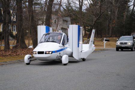 Летающий автомобиль Terrafugia Transition с гибридным двигателем поступит в продажу уже в 2019 году
