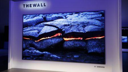 В следующем году Samsung выпустит более тонкую версию своего MicroLED-дисплея The Wall, которая будет «дешевле, чем ожидается»