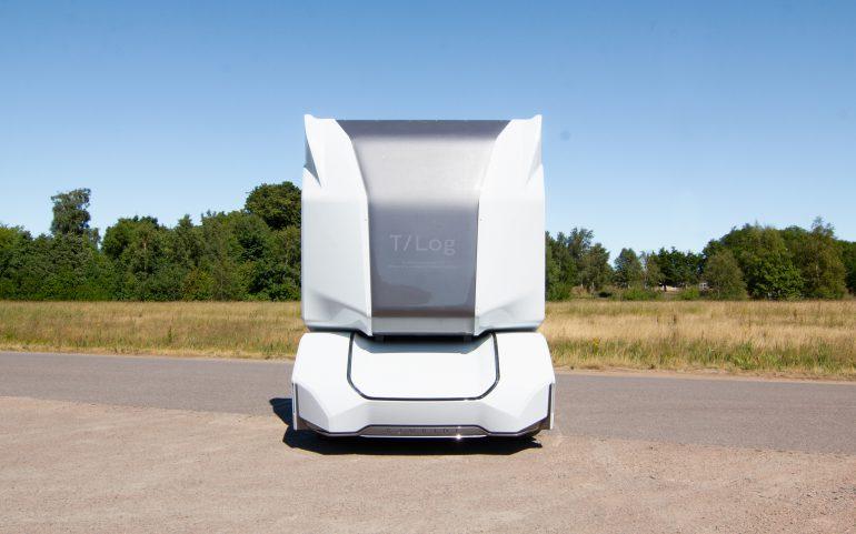 Шведский стартап Einride представил беспилотный электролесовоз T-Log с грузоподъемностью 16 тонн и батареей на 300 кВтч - ITC.ua