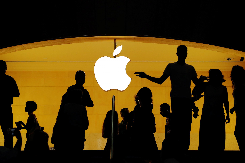 Школьник взломал серверы Apple и похитил данные