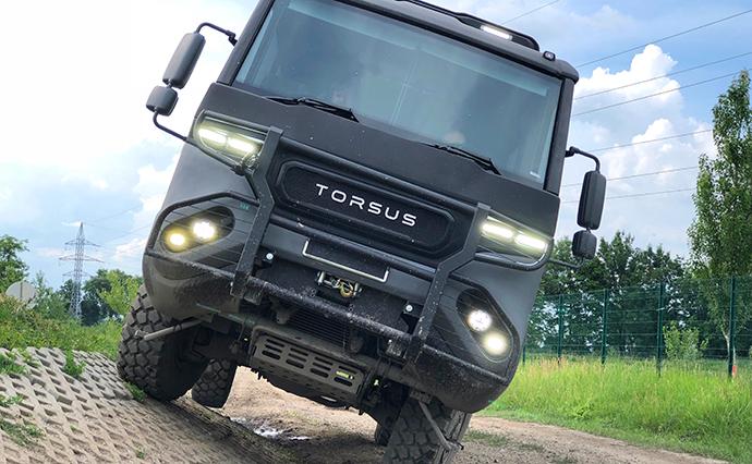 Украинская компания создала автобус-внедорожник Torsus Praetorian и планирует продавать его по цене от $100 тыс.