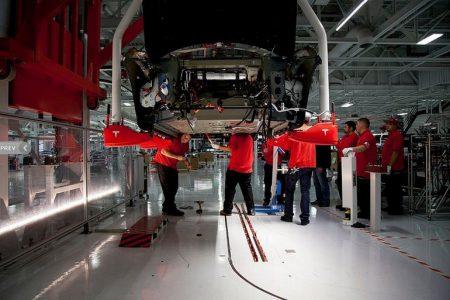 Business Insider: 4300 автомобилей Tesla Model 3 из первой рекордной «пятитысячной» партии требовали ремонта и доводки из-за дефектов