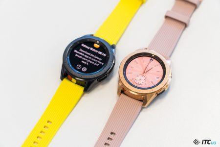 За предзаказ умных часов Samsung Galaxy Watch, которые стоят 9 999 грн (42 мм) и 10 999 грн (46 мм), дают в подарок беспроводные наушники