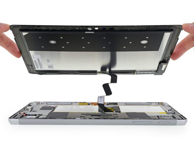 «Проще выкинуть, чем ремонтировать»: Специалисты iFixit не нашли в конструкции Microsoft Surface Go ни одного плюса