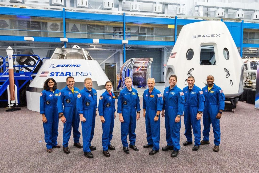 Первый полет пилотируемого корабля SpaceX Crew Dragon тоже перенесли на несколько месяцев
