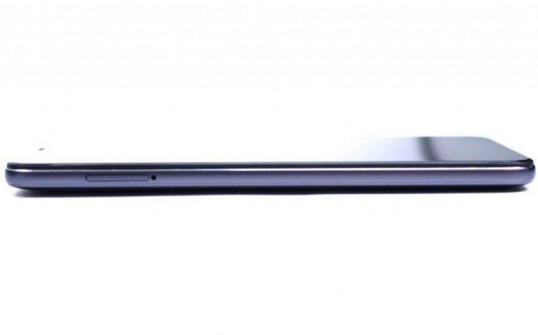 ОБНОВЛЕНО: Раскрыты характеристики и цены смартфона Xiaomi POCOPHONE F1