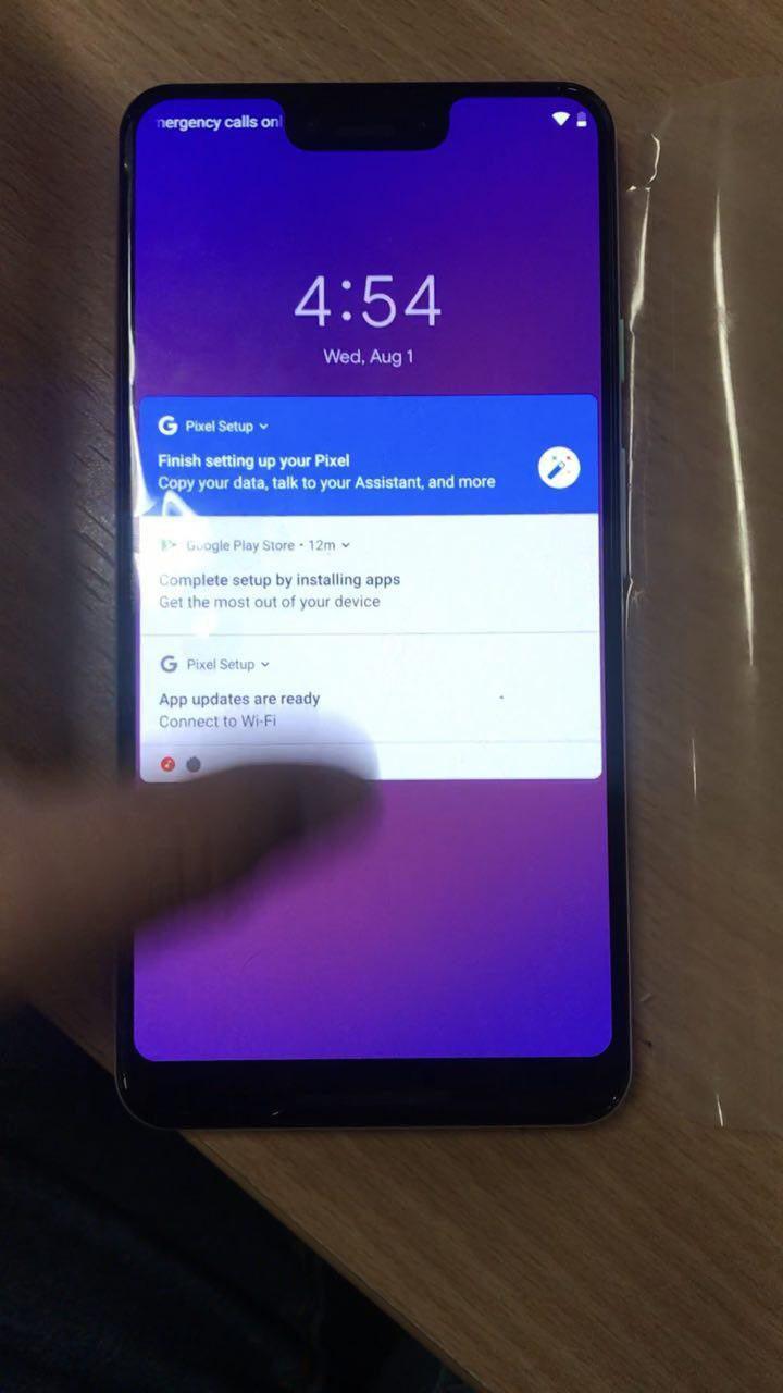 Google Pixel 3 XL: фото и видео с распаковкой предсерийного экземпляра смартфона