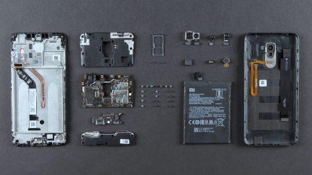 Смартфон Xiaomi Pocophone F1 разобрали на видео, более детально показав систему охлаждения LiquidCool и сканер лица