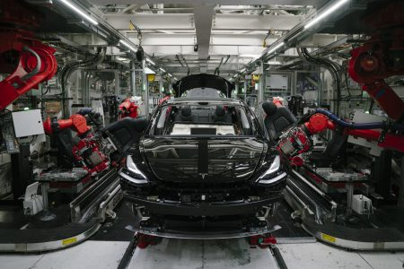 Илон Маск: «Если хорошо постараться, через три года мы могли бы создать электрокар стоимостью $25 тыс.»