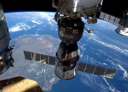 Утечка воздуха на МКС произошла из-за сотрудника РКК «Энергия». Он сделал лишнее отверстие в корпусе «Союза» и заделал его клеем, чтобы скрыть ошибку (обновлено, фото)