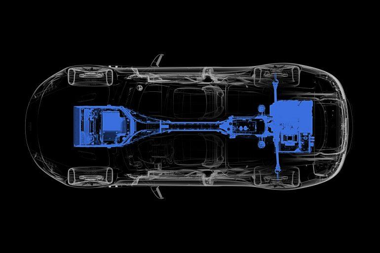 Серийный электромобиль Aston Martin Rapide E получит пару двигателей мощностью 610 л.с., батарею на 65 кВтч и запас хода 320 км (WLTP)