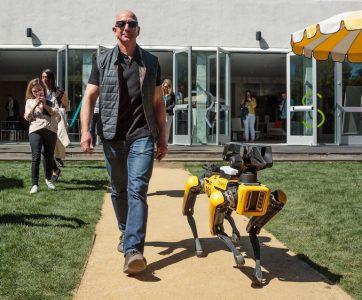 Джефф Безос основал благотворительный фонд Bezos Day One Fund в размере $2 млрд