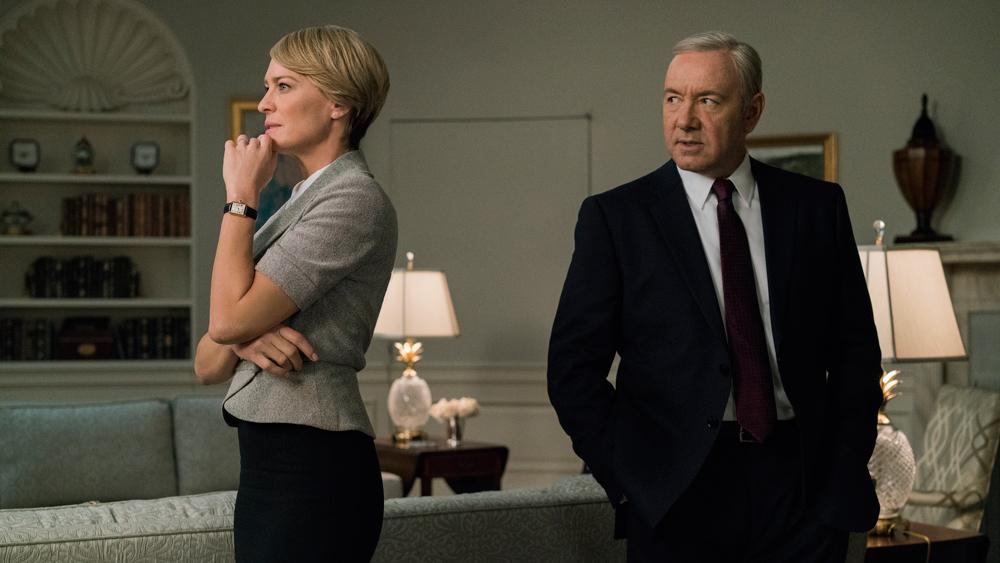 Netflix опубликовал тизер-трейлер финального сезона House Of Cards  Карточного домика в котором раскрывает судьбу Фрэнка Андервуда (премьера 2