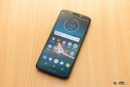 Обзор смартфона Motorola E5 Plus