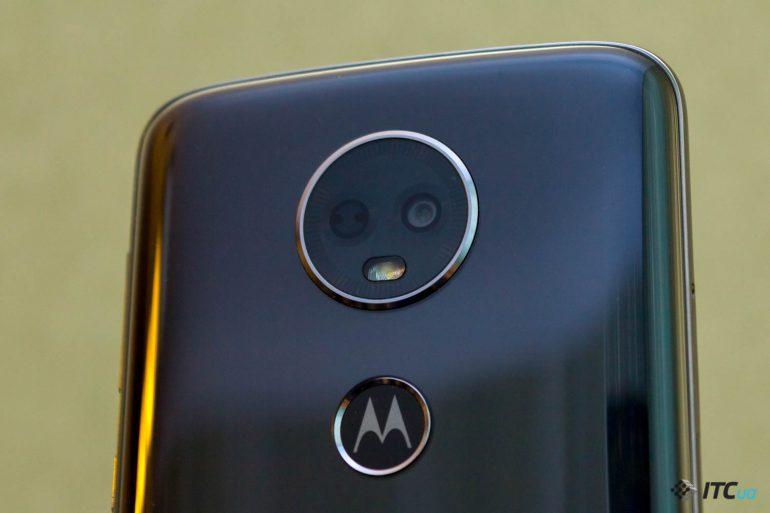 камера Motorola E5 Plus