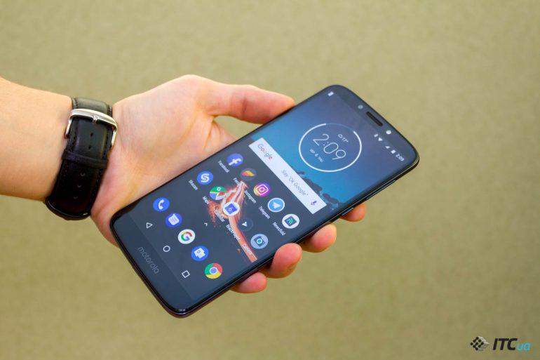 дизайн Motorola E5 Plus
