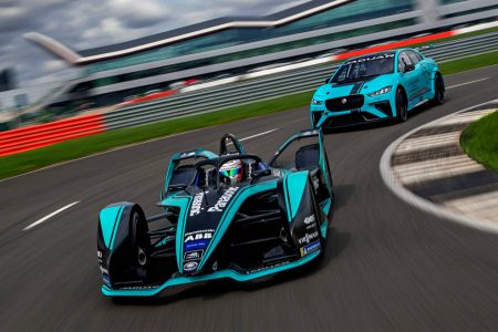 Команда Panasonic Jaguar Racing представила новый болид Formula E с батареей на 52 кВтч