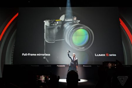Panasonic анонсировала беззеркальные полнокадровые камеры Lumix S: двойная стабилизация, высокая скорость, запись видео 4K/60