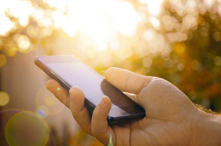 По прогнозу IDC, рынок смартфонов вернется к росту во втором полугодии и будет расти до 2022 года