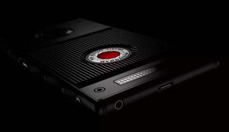Раскрыты ключевые характеристики смартфона RED Hydrogen One: голографический дисплей, стерео камеры, батарея на 4500 мАч