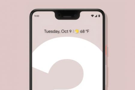Смартфон Google Pixel 3 тоже должен был получить «бровь», но помешала двойная селфи-камера и большой динамик