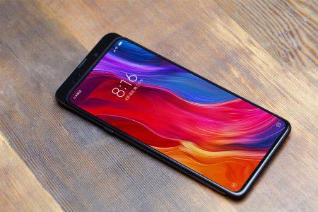 Xiaomi подтвердила, что безрамочный смартфон Mi Mix 3 получит поддержку 5G и 10 ГБ ОЗУ