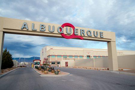 Netflix купит студийный комплекс Albuquerque Studios в Нью-Мексико для съемок собственных сериалов и фильмов