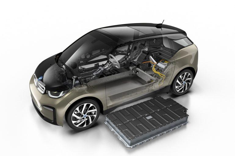 BMW увеличила емкость батарей в электромобилях BMW i3/i3s 2019 модельного года и подтвердила выход флагманского седана BMW i4 в 2021 году