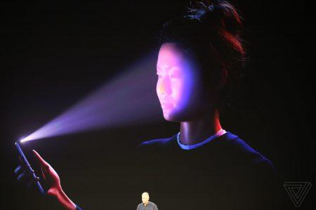 Для разблокировки iPhone X через Face ID сотрудники ФБР привлекли подозреваемого