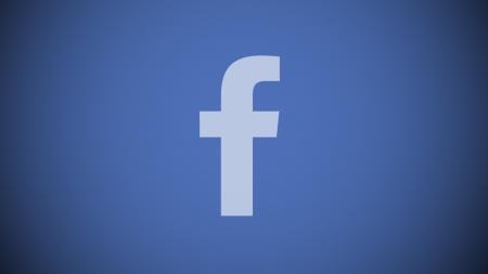 Facebook показывал потерявшей ребенка женщине рекламу детских вещей