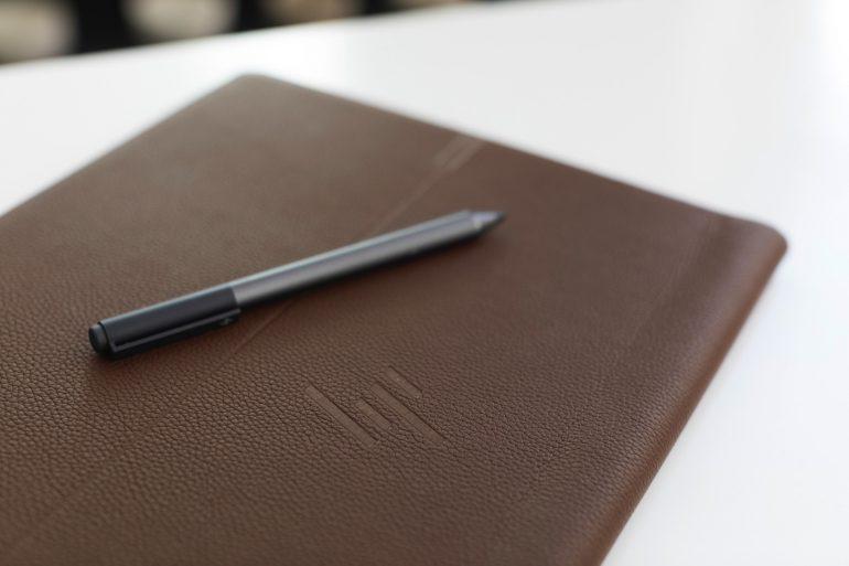 HP представила необычный имиджевый ноутбук-трансформер Spectre Folio в корпусе из натуральной кожи - ITC.ua