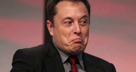 Илон Маск троллит SEC в Twitter, называя регулятора «Комиссией по обогащению шортселлеров»