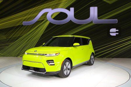 Представлен обновленный электрокроссовер Kia Soul EV: футуристичный дизайн, мощность 200 л.с. и батарея на 64 кВтч с жидкостным охлаждением