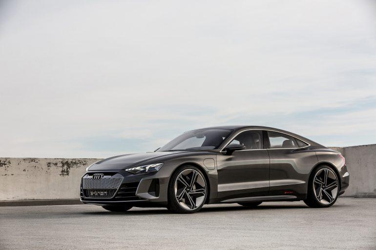 электромобиль Audi E Tron Gt представлен официально мощность 590 л