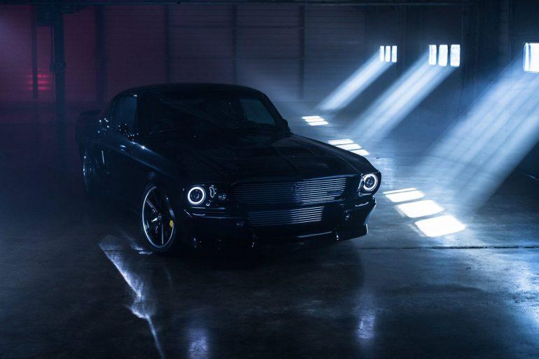 Британцы из Charge Automotive построили электрический Ford Mustang в классическом кузове 1960-х годов с разгоном до сотни за 3 сек, запасом хода 200 км и ценником $260 тыс.