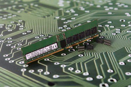 SK Hynix анонсировала первый в отрасли чип памяти DDR5 ёмкостью 16 Гбит, отвечающий спецификациям JEDEC