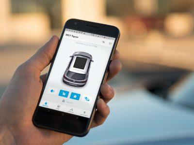 Владельцы автомобилей Volkswagen теперь могут открывать и закрывать их (а также регулировать температуру, уточнять пробег и т.д.) с помощью iPhone и команд Siri Shortcuts