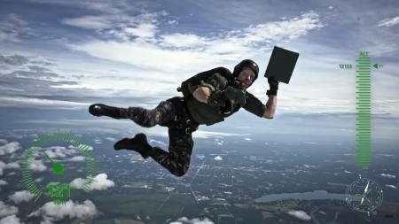 Microsoft подарила ветерану ВМФ США лимитированную версию консоли Xbox One X, доставив ее при помощи прыгнувшего с парашютом каскадера