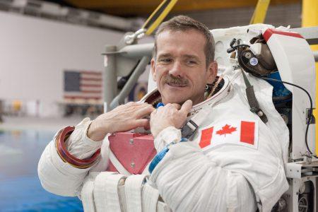 Астронавт Крис Хэдфилд: «При нынешнем развитии технологий пилотируемая миссия на Марс получается неоправданно рискованной»