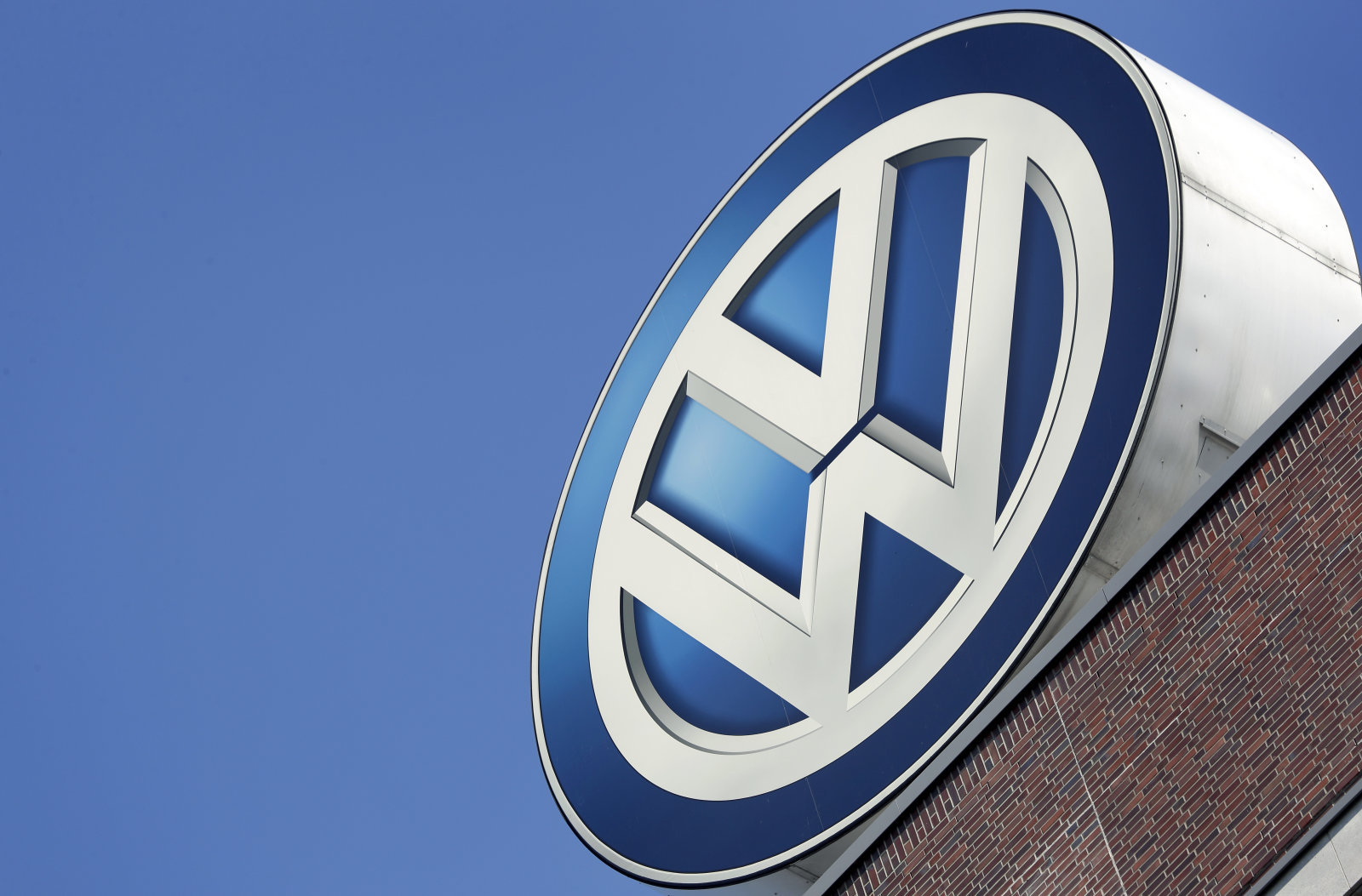 Компания VW  хочет  выпустить электрокар всего за20 тыс.  евро