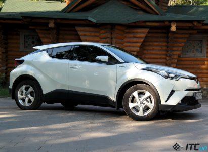 Гибрид Toyota C-HR: модная жизнь в стиле «эко»