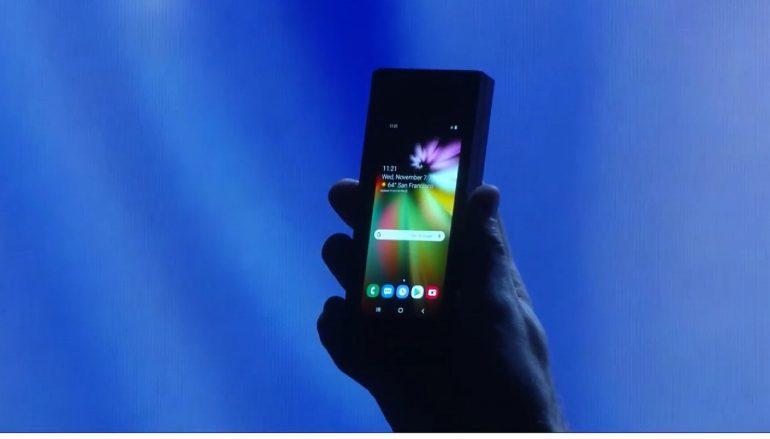 Samsung показала складной смартфон с гибким экраном Infinity Flex Display