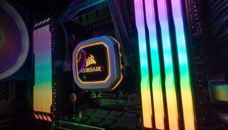 Corsair предлагает для ценителей прекрасного фиктивные модули ОЗУ с подсветкой RGB, всего за… $40